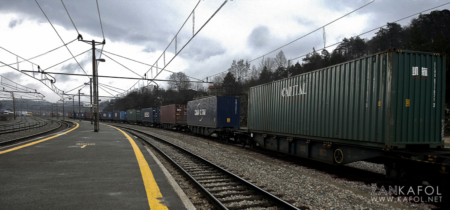 Železniška postaja Postojna