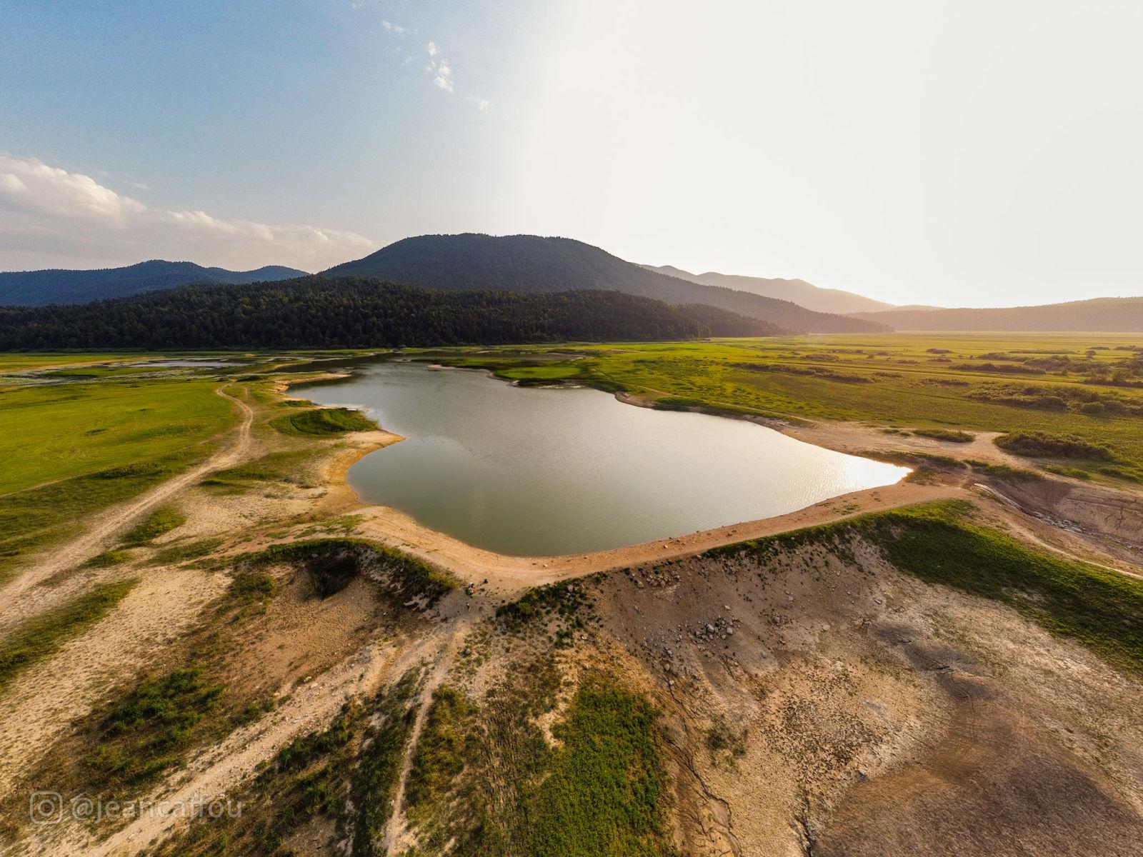 Umetno jezero v obdobju suše - Cerkniško polje