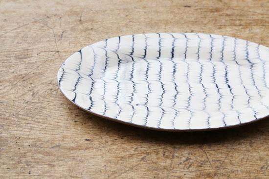十場天伸 リム付き楕円皿