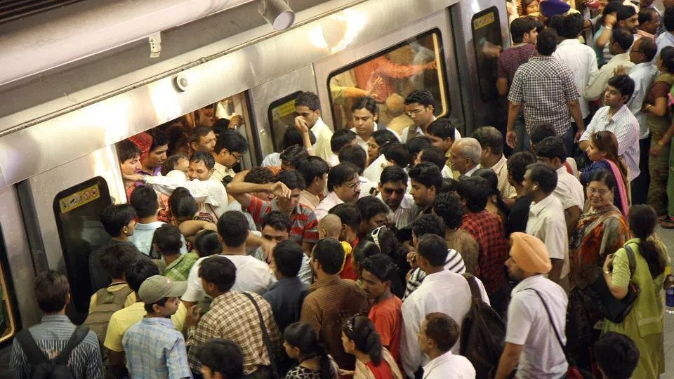 Pickpockets in Delhi Metro: Here is how they do it, and how to spot them