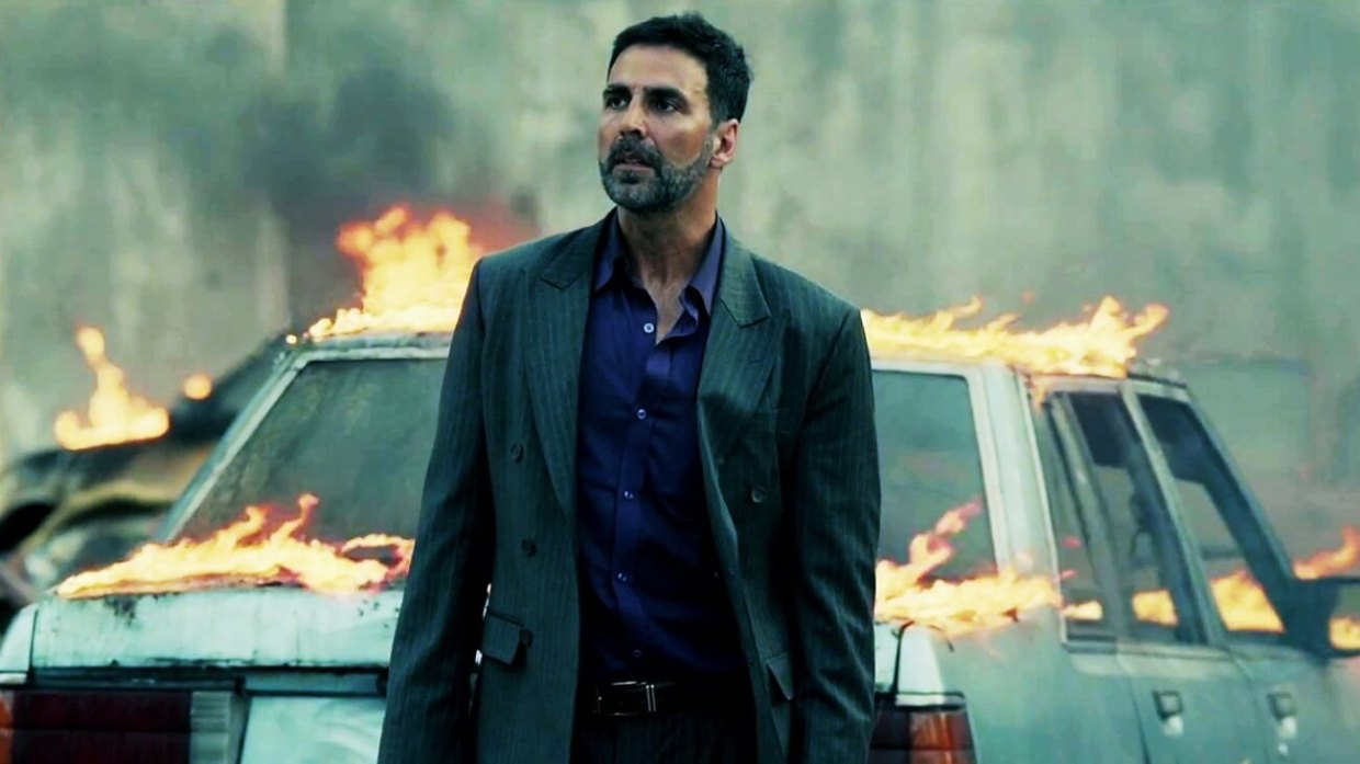 Movie still from Airlift