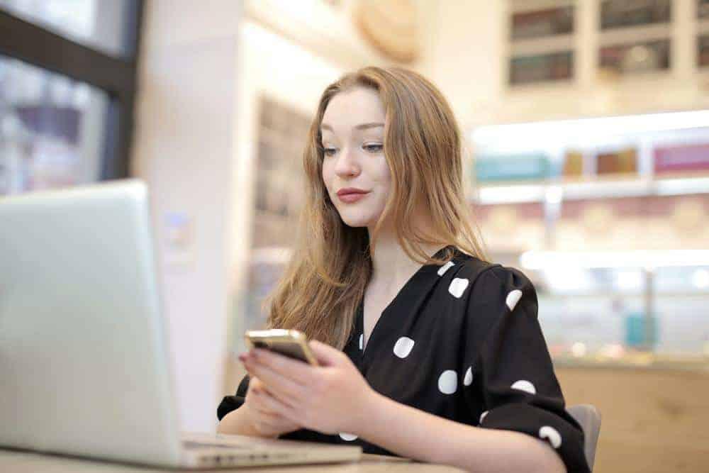 Tips & Poin yang Perlu Diperhatikan Ketika Membuat Kartu Nama Online