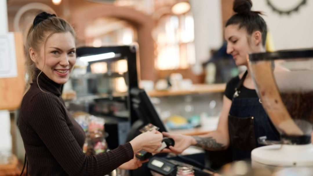 6 Tipe Pelanggan yang Perlu Anda Pahami & Cara Mengatasinya