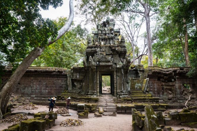 Angkor Thom temple for an Angkor Wat temple guide