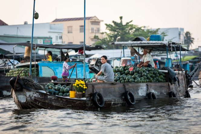 Fruit sellers at the Cai Rang Floating Markets