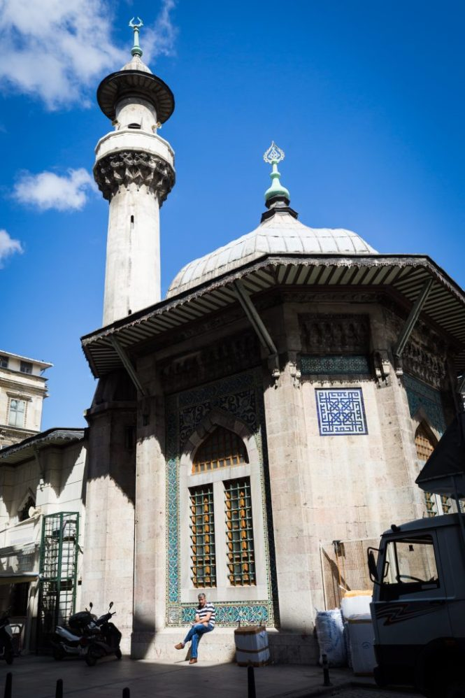 Street mosque for an article on Istanbul street photos
