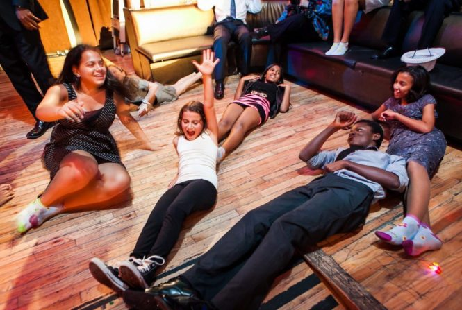 A Manhattan bar mitzvah by bar mitzvah photojournalist, Kelly Williams