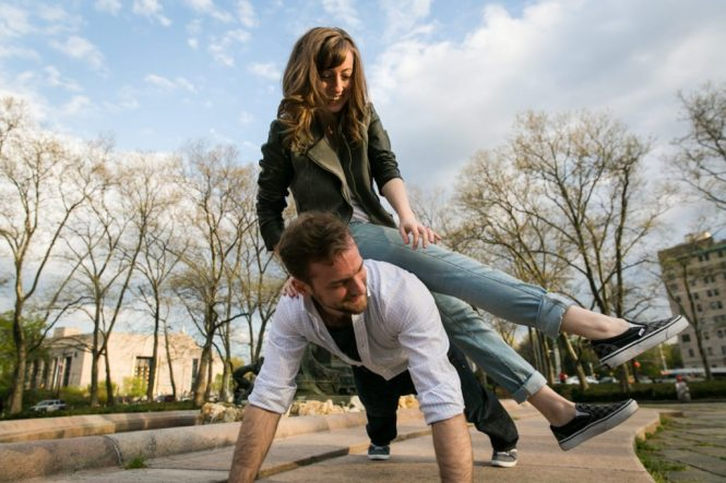Engagement shoot at Grand Army Plaza by photographer Kelly Williams