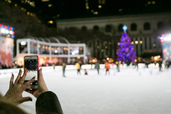 Christmas in New York City, by NYC wedding, event, and portrait photographer, Kelly Williams