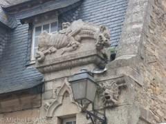 Roscoff : le dragon de garde d'une maison d'armateur