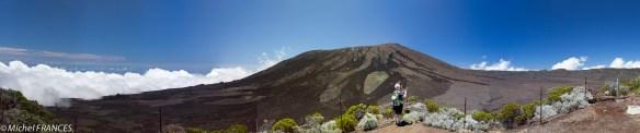 Panoramique sur le volcan depuis le Piton de partage
