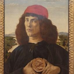Botticelli : portrait d'un inconnu tenant la médaille de Cosme de Médicis