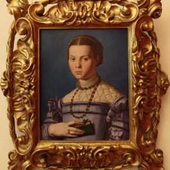 Bronzino : portrait de fillette avec un livre