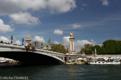 Le Pont Alexandre III devant le Grand Palais