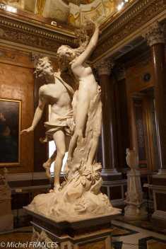 Apollon et Daphné par Le Bernin