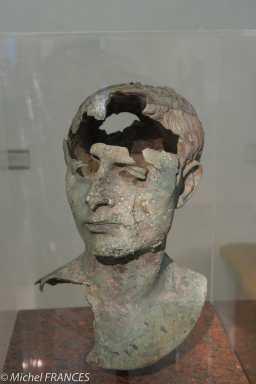 Palais Sternberg - Galerie nationale - bronze romain du 1er siècle AVJC