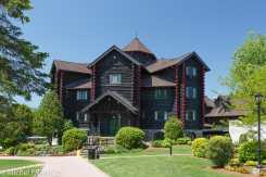 Montebello - l'hôtel Fairmont, une bâtisse en bois ronds