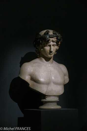 """expo Collection Campana - buste d'Antinoüs - Ici aussi, il n'y a pas grand-chose d'original dans ce buste, très """"restauré"""" par Campana et ses artisans"""