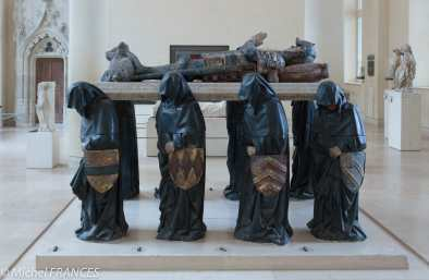 Le tombeau de Philippe Pot avant sa restauration