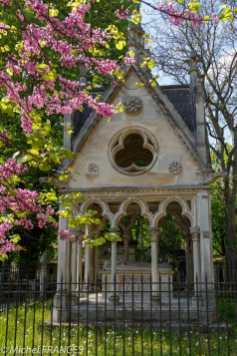 Père-Lachaise - monument d'Héloïse et Abélard