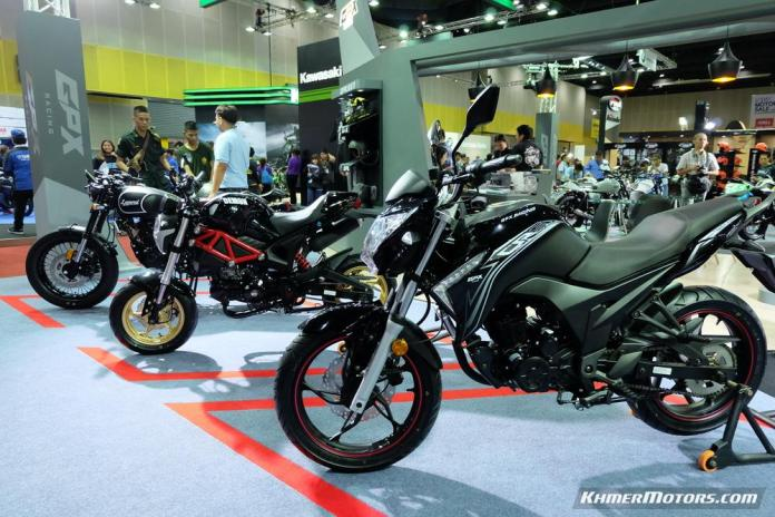 gpx-racing-at-big-motor-sale-2016-12