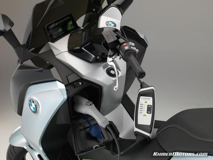 bmw-c-evolution-electric-scooters-13