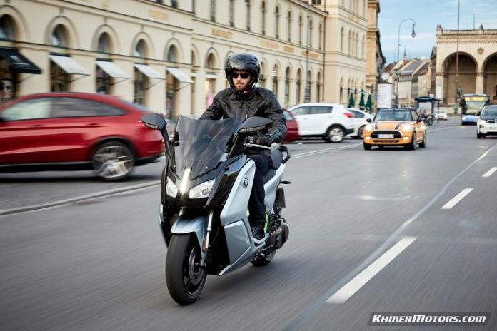 bmw-c-evolution-electric-scooters-21