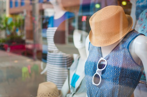 How to Use Digital Signage Software in Retail Store? - Kitcast Blog
