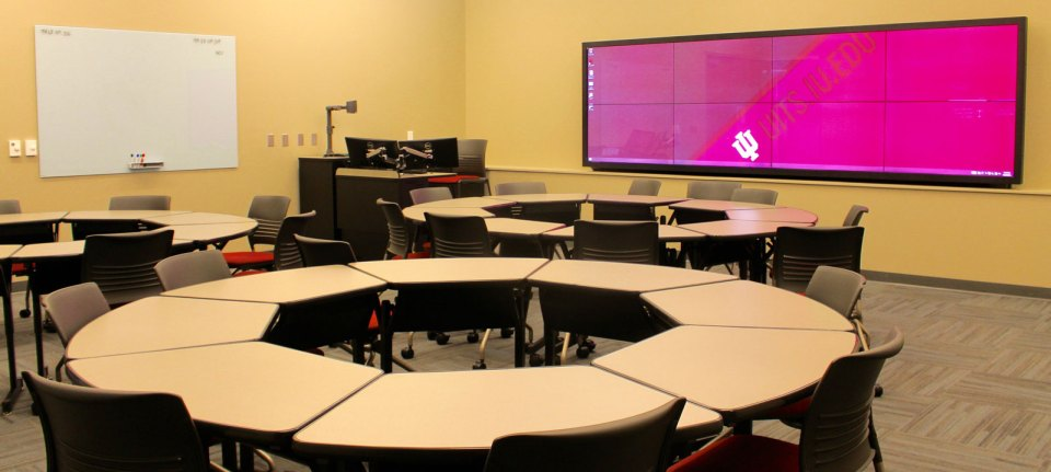 digital signage for colleges classrooms