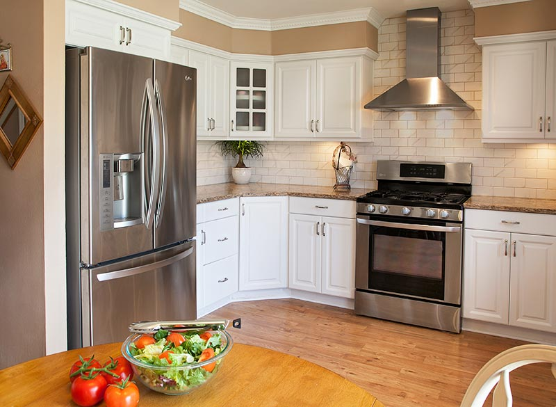 which paint colors look best with white cabinets on best colors for kitchen walls id=90587