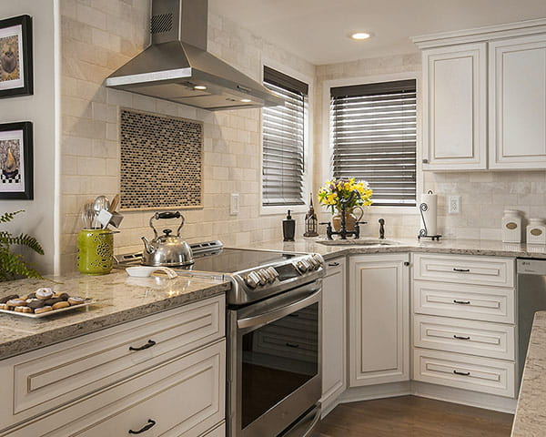 What Countertop Color Looks Best with White Cabinets? on What Color Cabinets Go Best With Black Granite Countertops  id=55622