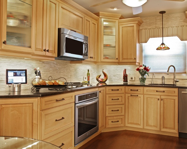 Not Your Momma's Maple: Maple Kitchens for Modern Times on Modern Kitchen Backsplash With Maple Cabinets  id=72291