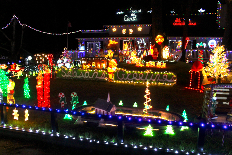 poulos-outer-banks-christmas-house