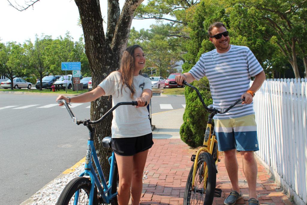 vélo au centre-ville de Manteo sur l'île de Roanoke