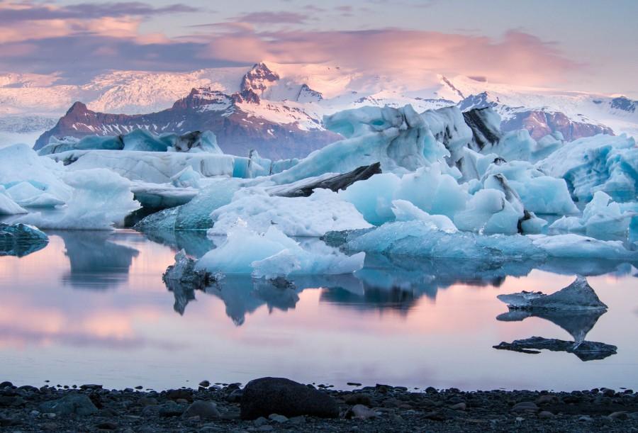 Iceland 冰河湖 Jökulsárlón Glacier Lagoon Ashutterstock 406443997