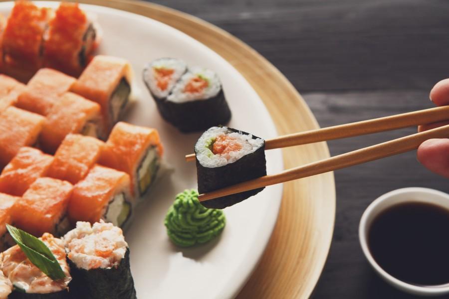 Japan Food 壽司 Sushi Ashutterstock 403925371