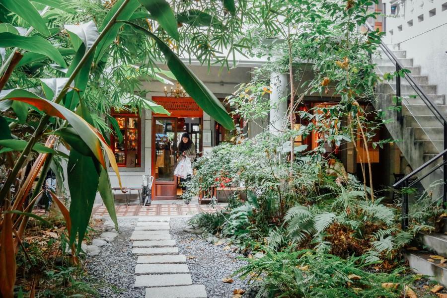 大稻埕鹹花生咖啡館