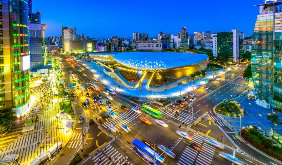 batch Aerial photo of Dongdaemun Park in Seoul  South Korea at night 807861850