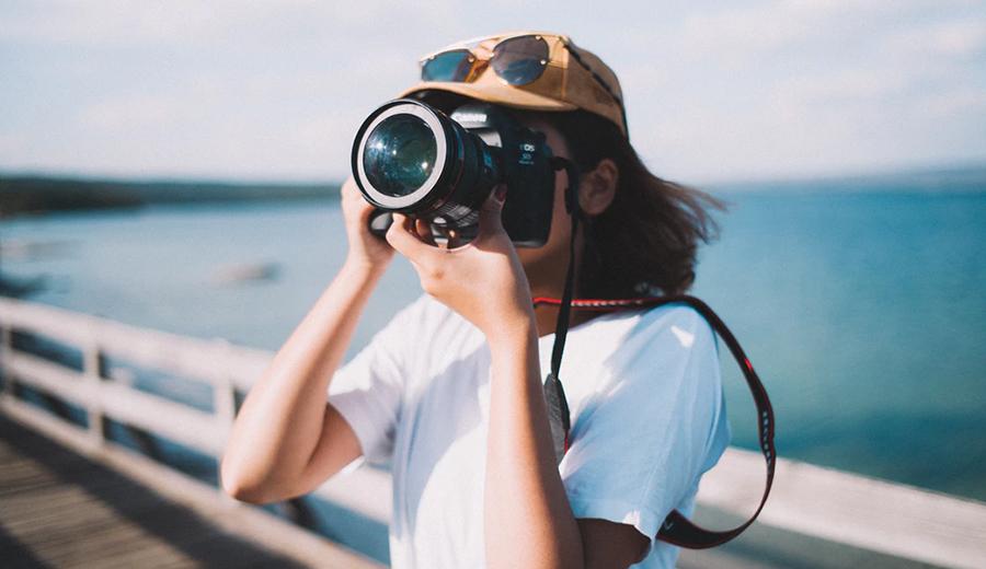 Tips Fotografi Saat Traveling, Menjalankan Hobi Sekaligus Menghasilkan  Pundi | KlikCair