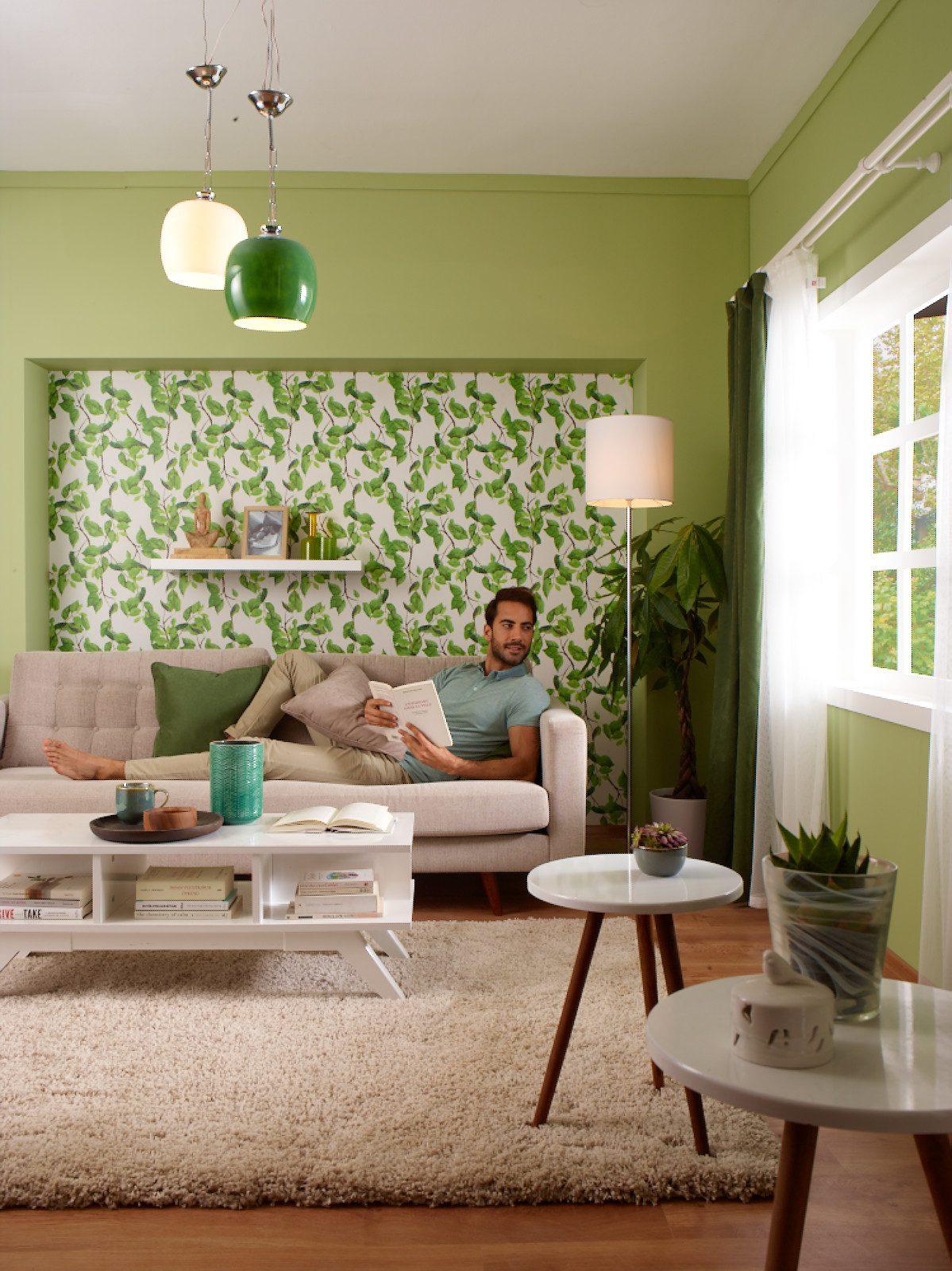 Bahar için ferah ev dekorasyonu.