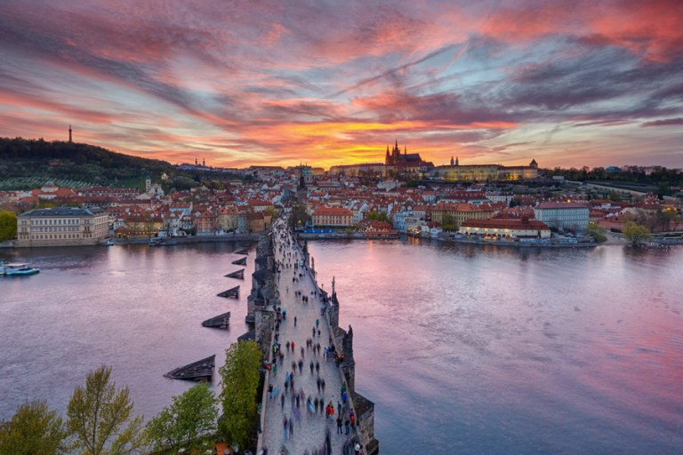 header-staedtereise-prag-5-top-insider-tipps-sightseeing-foto-motive-goldene-stadt.jpg?fit=768%2C512