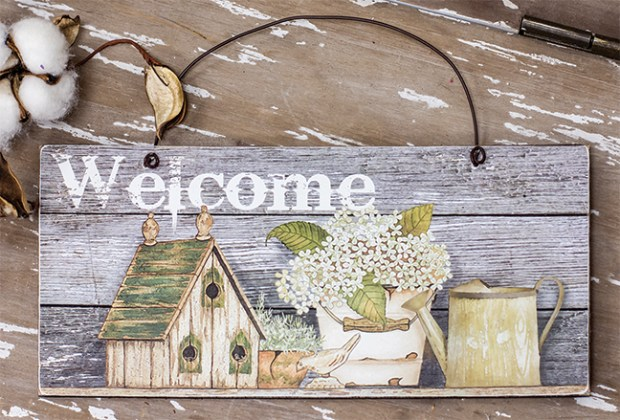 welcome sign spring