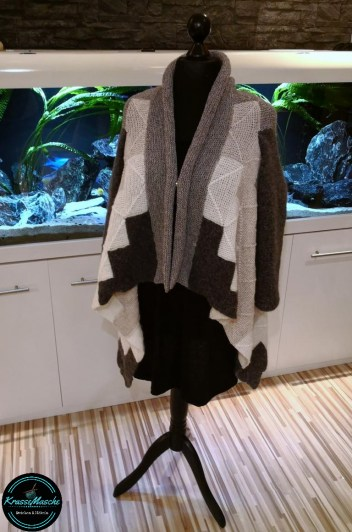 Strickjacke Cardigan handmade pieceful Mix&Knit stricken wolle