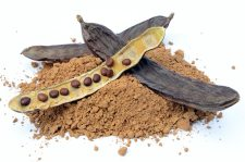 carob-pod-and-powder