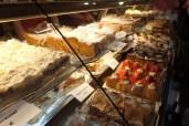 Wieder grosse Kuchenauswahl