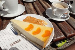 Kuchen beim Konrad