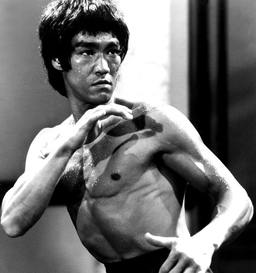 Bruce Lee - Dim Mak vs Kyusho Jitsu