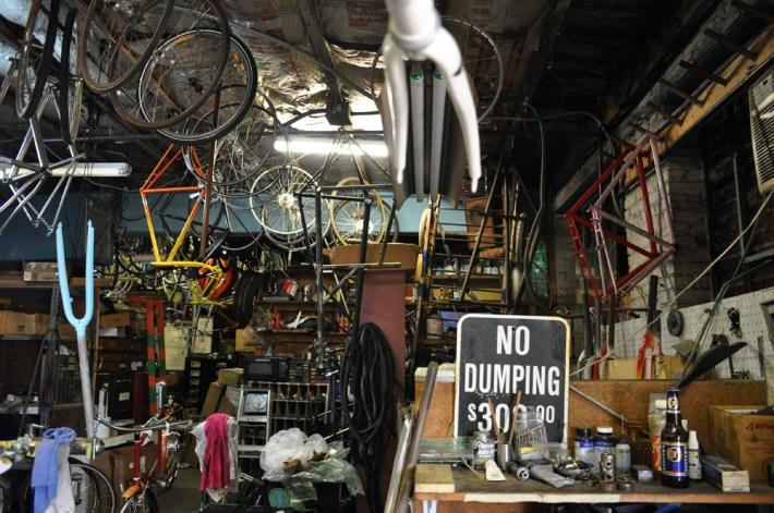 """No Dumping"""