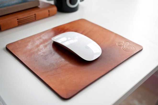 premium-leather-mousepad-natural-wp-7 (1)
