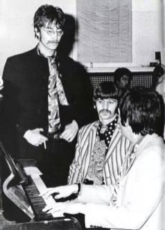 "Abbey Road, marzo del 67, grabando ""Good Morning, Good Morning"""